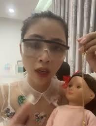Bị chỉ trích vì nuôi búp bê như Kumanthong, Thơ Nguyễn tuyên bố khởi kiện:  Một mình chị cân hết, chị học luật mà