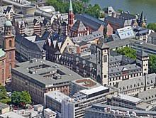 Es sind brancheneinträge zu fußboden in frankfurt am main gefragt? Romer Frankfurt Am Main Wikipedia
