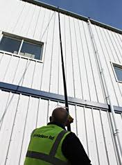Gutter Vacuum Cleaning System with up to 12 metre reach SkyVac