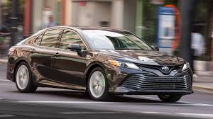2018 Toyota Camry Hybrid video road test - YouTube