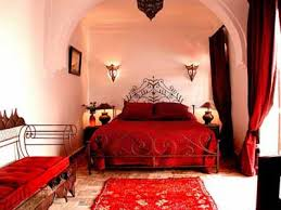 Bedroom Decorating Ideas In Red
