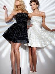 Chic Weiß und Schwarz strapless A-Line glatte Satin und Perlen ...