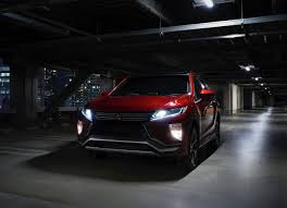 2018 mitsubishi eclipse cross. contemporary 2018 2018 mitsubishi eclipse cross front angle photos and mitsubishi eclipse cross