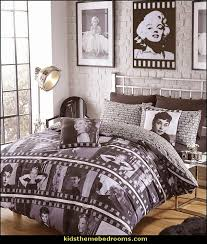 Hollywood glam themed bedroom ideas - Marilyn Monroe Old Hollywood Decor -  Hollywood Vanity Mirrors -
