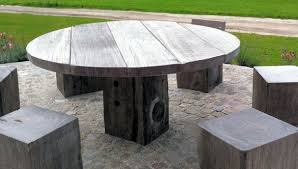 Round outdoor table 60 Inch Round Plank Table Outdoor Thorsdesign Round Tables Thorsdesign