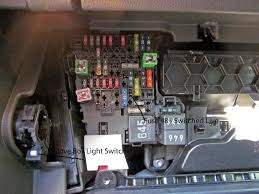 golfgtiforum co uk an independent forum for volkswagen golf gti in the bottom right hand corner above the relay labelled 645 in the picture is a yellow 20amp fuse between a green 30amp and a black 1amp and red 40amp