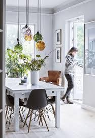 Binnenkijken In Een Deens Interieur Met Veel Kunst Verlichting