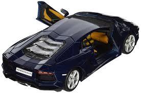 Amazon.com: Maisto 1:24 Scale Lamborghini Aventador LP 700-4 ...