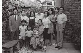 images?q=tbn:ANd9GcRPkcZb5TfVi8XmEMLGkn6Y8QKmUE4UFrkZb2sRMhIW8R5A0AxY - Южная Корея - обычная жизнь обычных людей