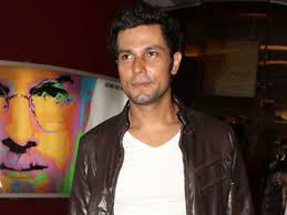 naseeruddin shah randeep hooda starrer john day adds on to the  randeep hooda at john day press conference photo gallery