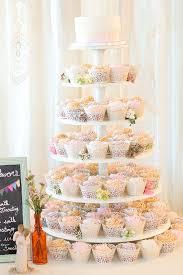 「盛ってある結婚式のケーキ 昔の タワー」の画像検索結果