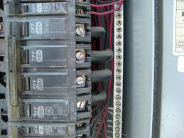 how many amps and volts is this panel internachi inspection forum many amps and volts panel cimg6176 800x600 jpg