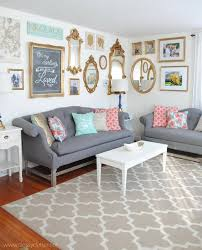 28 ideas for gorgeous diy gallery walls tip junkie