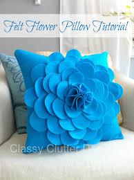 DIY color block pillow tutorial. Felt Flower Pillow tutorial