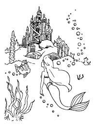 Disegno Di Ariel Va Al Castello Da Colorare Disegni Da Colorare E