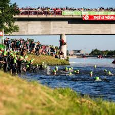 Moreover, we want to invite all the spectators to watch the race at home on our live stream. Challenge Roth Triathlon Fur 2021 In Weniger Als Einer Minute Ausgebucht