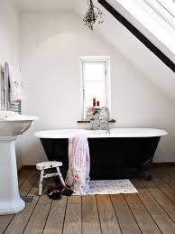 Enchanting Wood Tile Floor In Bathroom Pics Decoration Ideas