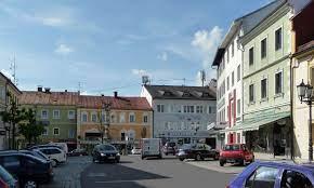 Das team der stadtapotheke mariahilf rohrbach versucht durch seine tägliche arbeit einen beitrag zur erfüllung dieses Datei Stadtplatz Rohrbach Oo 2 Jpg Wikipedia
