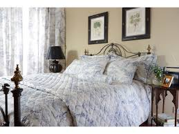 toile de jouy china blue quilted bedspreads