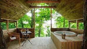 Best 25 Treehouse Hotel Ideas On Pinterest  Amazing Tree House Treehouse Accommodation Ireland