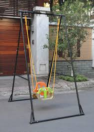 pull up bar with plastic chair ropes and hooks