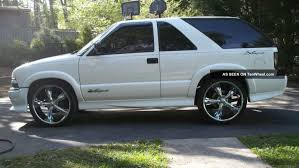 2003 Chevrolet Blazer - Information and photos - ZombieDrive