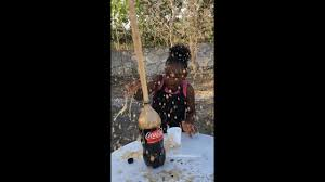 Ava's Experiments/ kid Friendly Experiments Coke and Mentos - YouTube