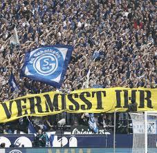 Schalke gegen den BVB: Die kuriosesten Fan-Aktionen rund um das Derby - WELT