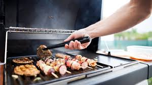 what s the best outdoor gas grill for you propane or natural gas