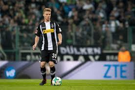 Borussia On Twitter Entwarnung Bei Nico Elvedi Der
