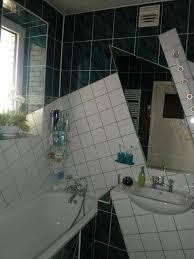 those bathroom tiles