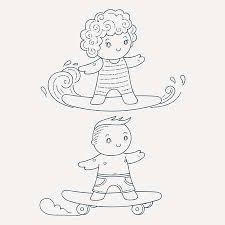 サーフボードやスケート ボードの子供のイラストかわいい子供を設定し