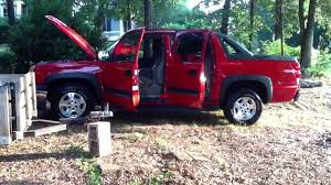 2005 chevy avalanche - YouTube