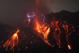 sakurajima volcano ejected lava s and created forks of lightning possibly due to electrically charged