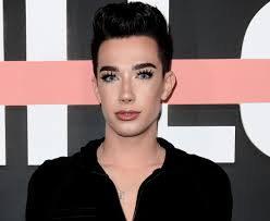 James' new mini palette has exactly the same 39 shades as his original james charles x morphe palette. James Charles Is Accused Of Faking His Swatches For New Eyeshadow