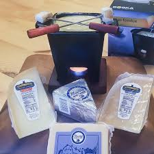 no 141 may blue fondue gift set