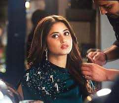cute candid pictures of sajal ali
