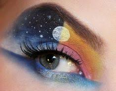 this makeup artist paints incredibly intricate scenes on her eyelids crazy eyeshadowcrazy