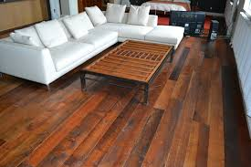 Below are some of our most favorite reclaimed wood floor looks: