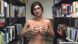 Bosomy Arab girl Mia Khalifa POV fucked Shameless