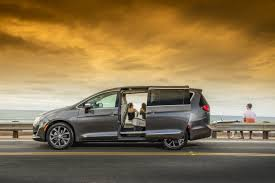 2018 chrysler town and country vs pacifica.  chrysler 2018 chrysler pacifica for chrysler town and country vs pacifica