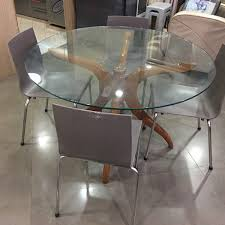 4ft round glass top table with 4chair 80