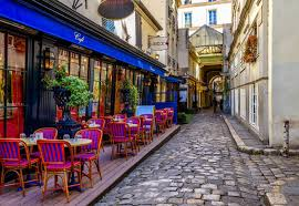 How Much Should You Tip In France