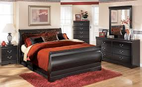 King Sleigh Bed Bedroom Sets Monticello King Sleigh Bed Pecan Value City Furniture Black Queen