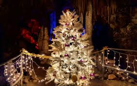 Christmas Lights Around Knoxville Tn 7 Southern Caves With Underground Christmas Tours Its A