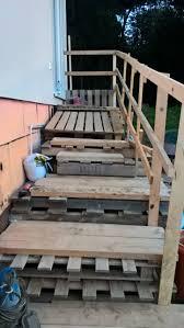 Paletten bilden an sich bereits vorgefertigte teile, die sie einfach verwenden können, um daraus gartenmöbel selber zu bauen. Miniprojekt Palettentreppe Bauanleitung Zum Selberbauen 1 2 Do Com Deine Heimwerker Community