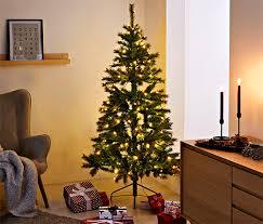 Tchibo her hafta yenilenen temalarıyla sürprizlerle dolu! Weihnachtsbaum Vorhang Tchibo