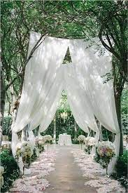 outdoor wedding ceremony decor idea