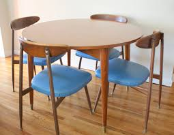 Modern Round Kitchen Tables 25 Contemporary Kitchen Design Inspiration Table And Chairs Modern