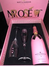 moËt chandon rosÉ pink bottle gl chagne flutes gift set